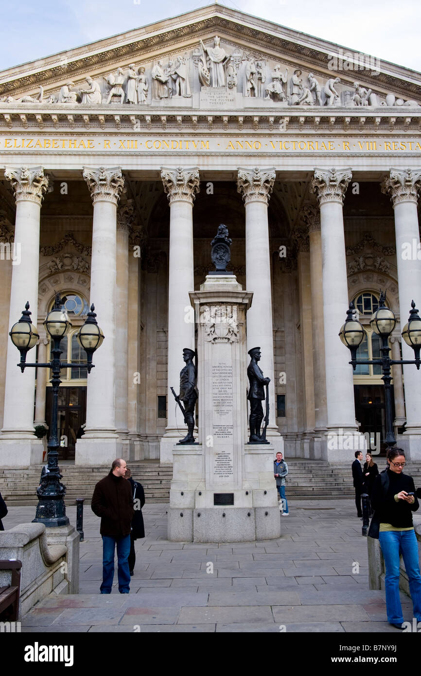 The Royal Exchange founded in 1565 by Sir Thomas Gresham rebuilt 1844 - Memorial to soldiers of the City who died - Stock Image