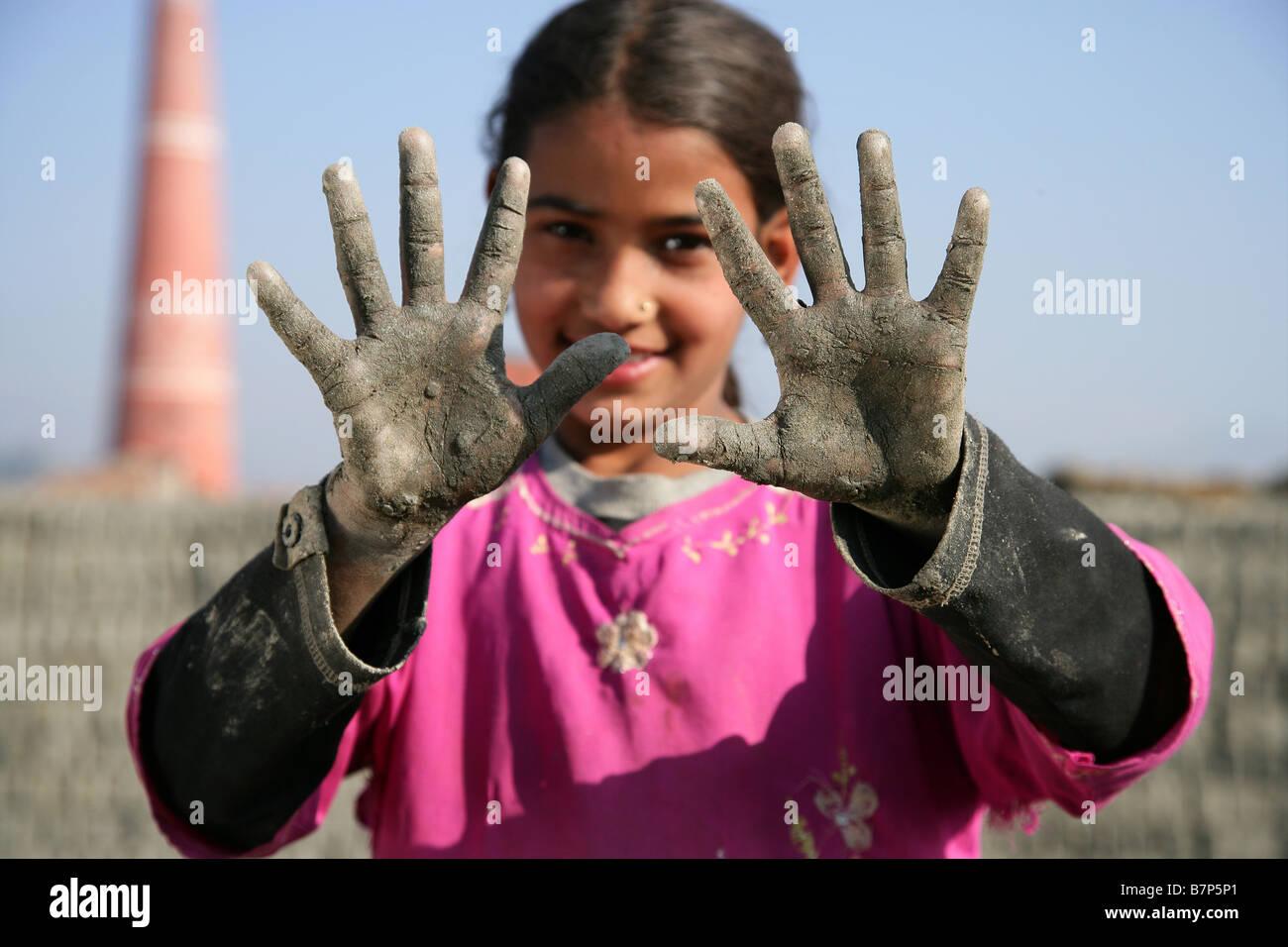 Prava Thapa dirty hands - Stock Image