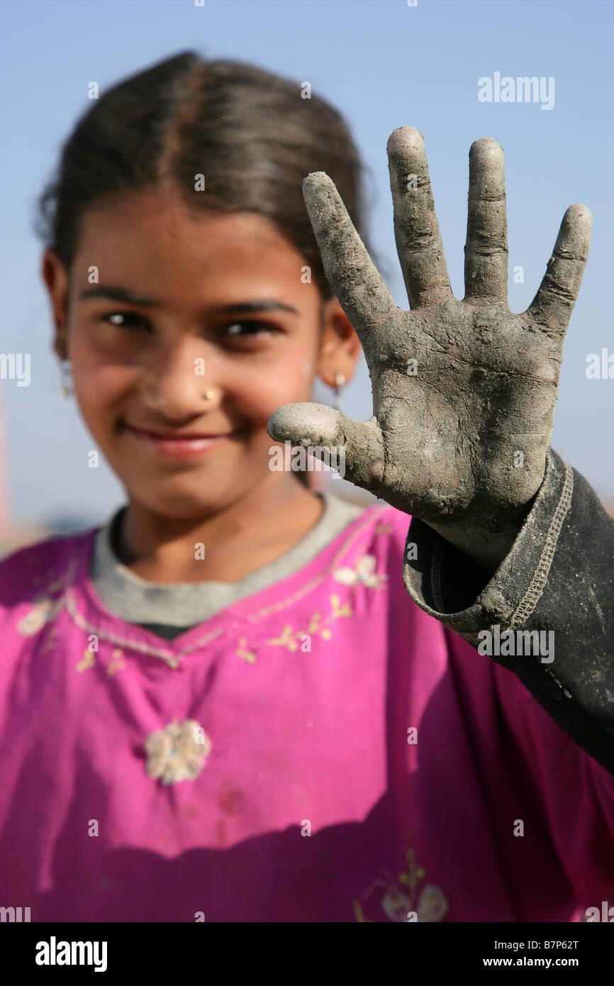 Prava Thapa dirty hand - Stock Image