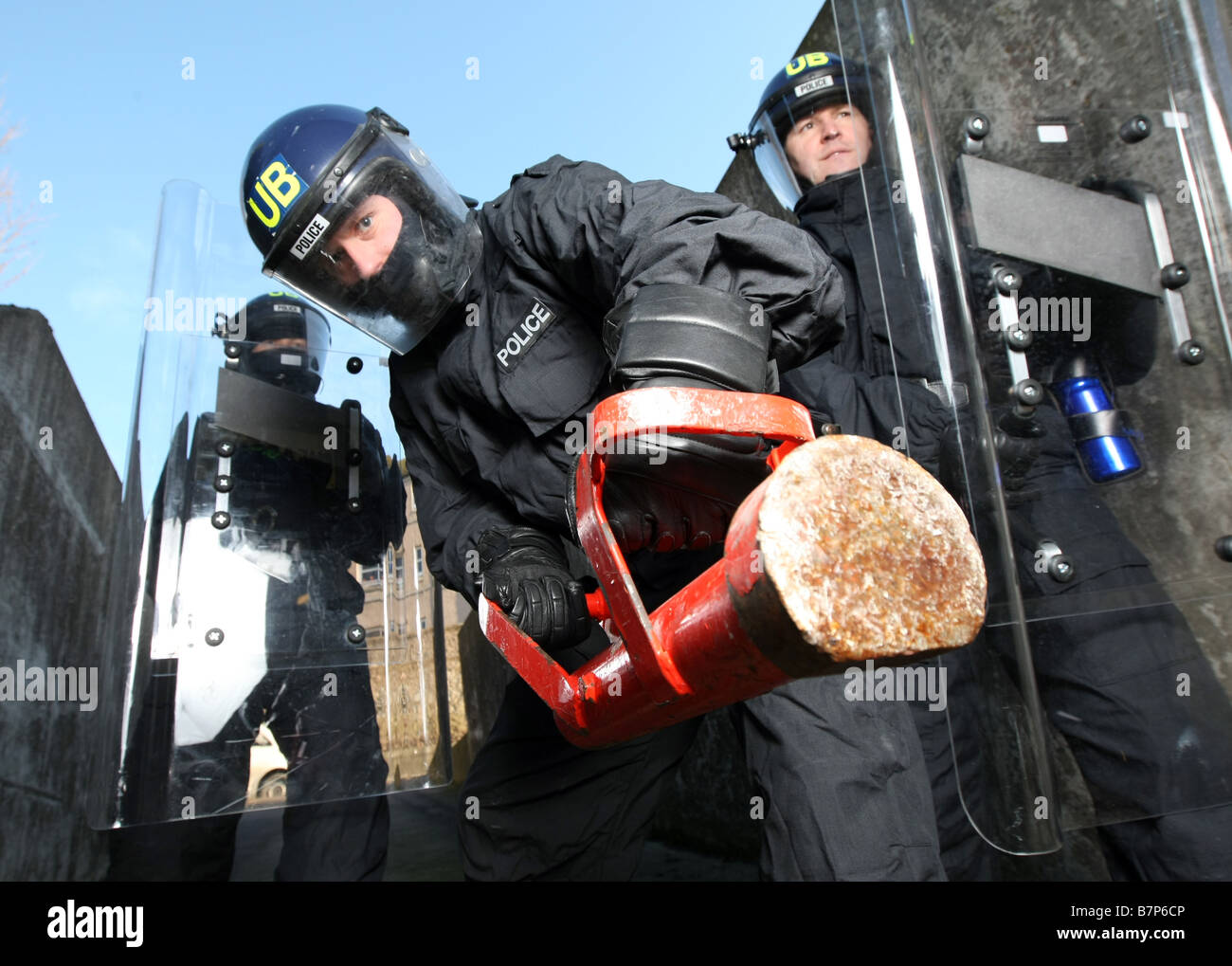 Police Helmet Uk Stock Photos & Police Helmet Uk Stock Images - Alamy