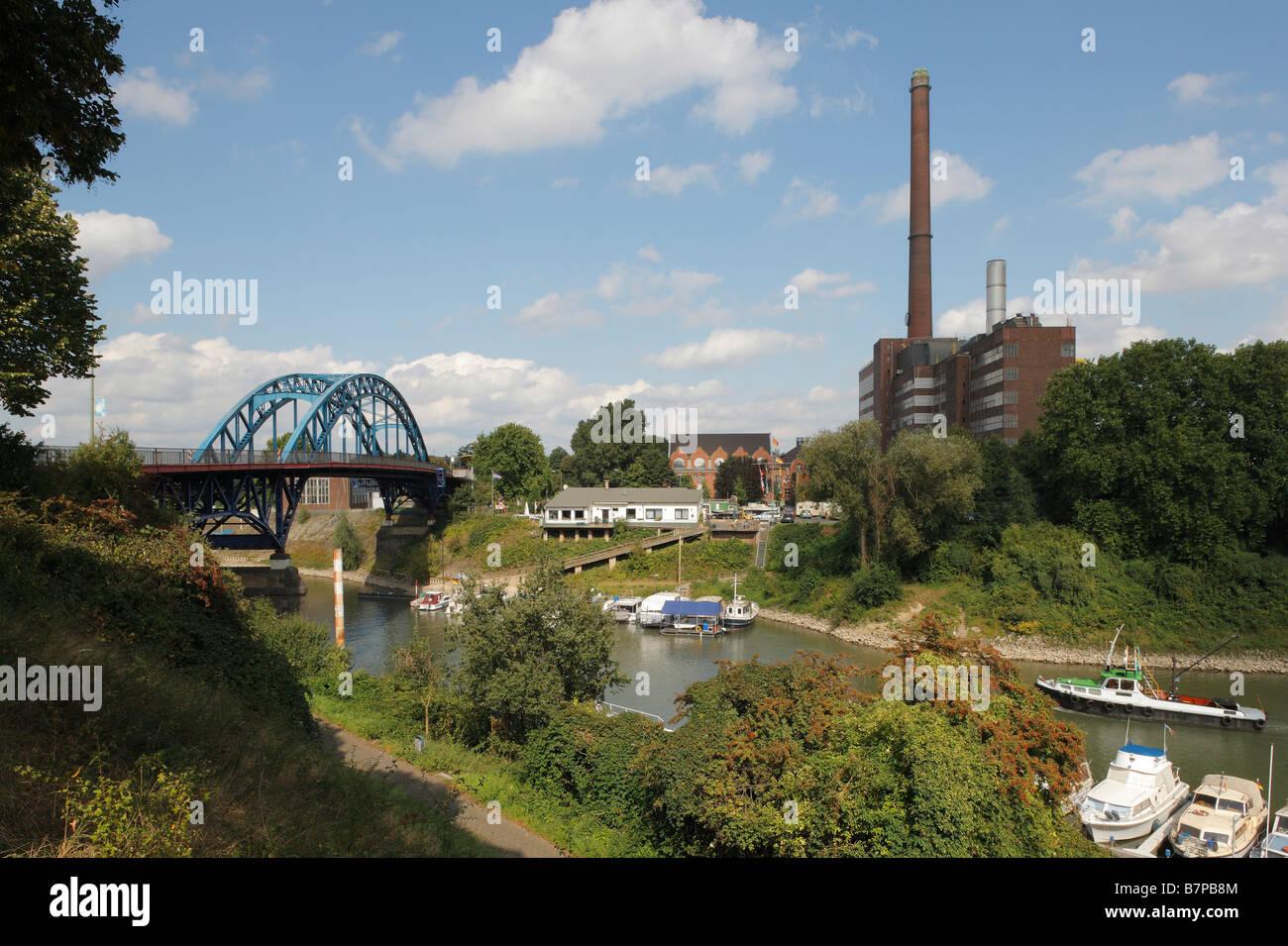 Duisburg-Ruhrort Blick über das alte Hafenbecken ( Eisenbahnhafen) Museum der deutschen Binnenschifffahrt 1908-1912 ehemalige »W Stock Photo