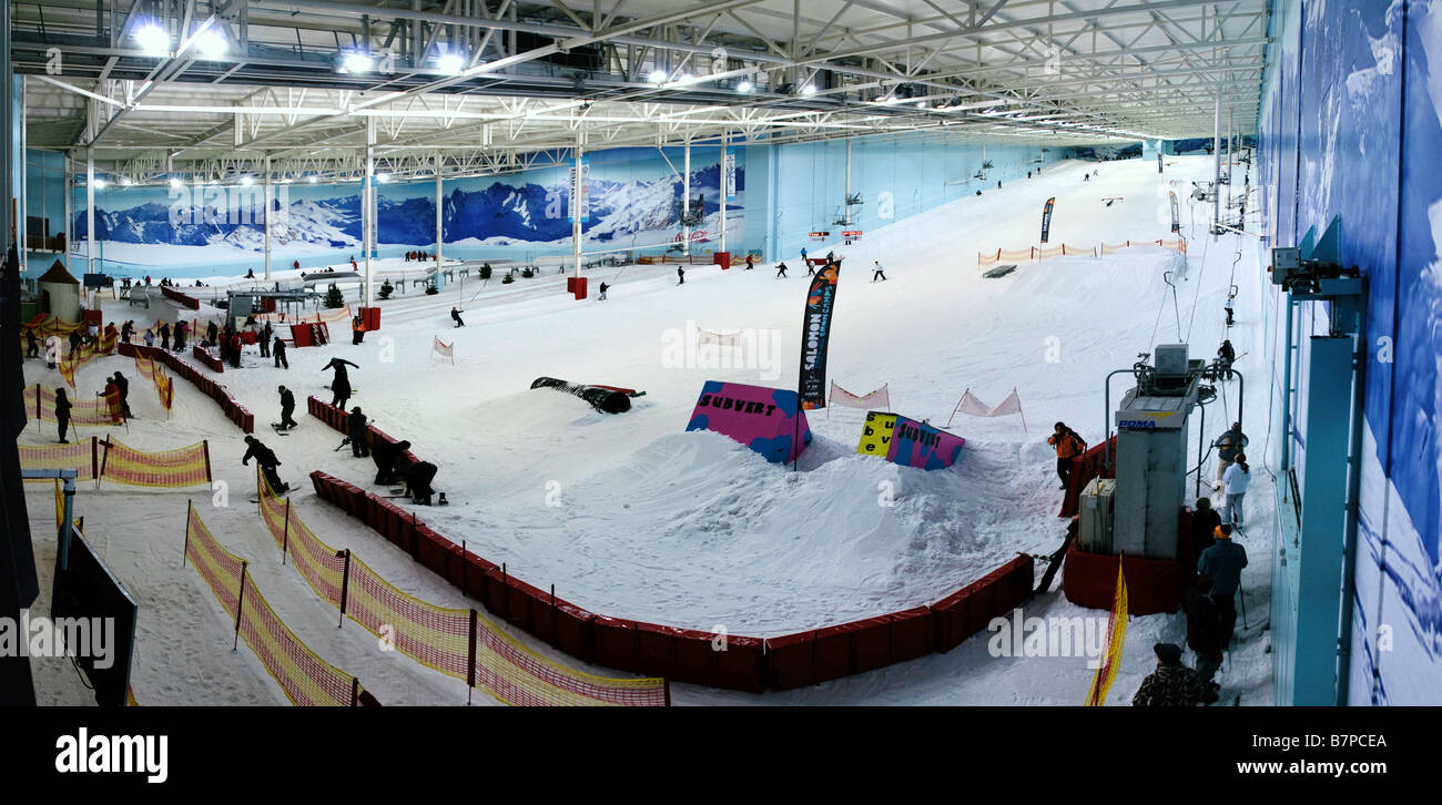 The snow slopes of the Chill Factor E at Trafford in Manchester - Stock Image