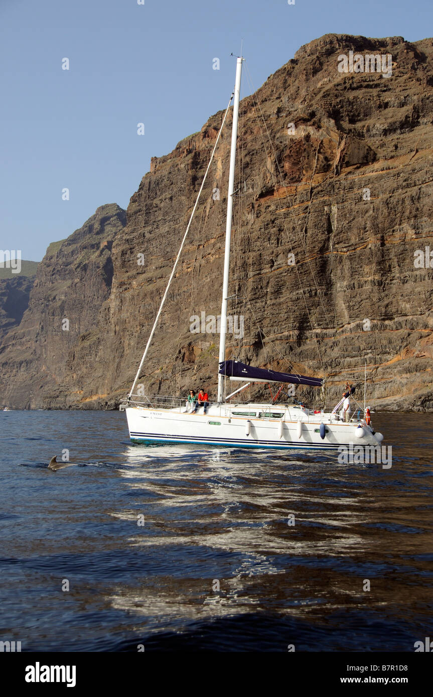 Sailing boat excursion along the Los Gigantes Cliffs coast of southern Tenerife Canary Islands - Stock Image