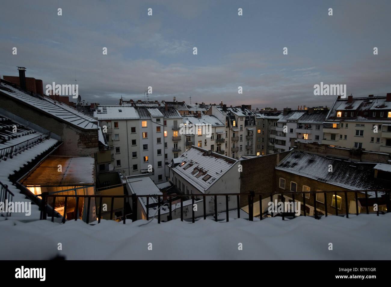 Deep winter backyard scenery - Stock Image