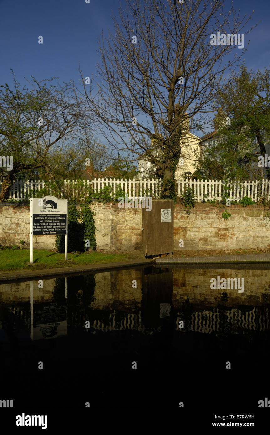View of a section of the Staffordshire and Worcestershire Canal at Stourport, including British Waterways sign Stock Photo