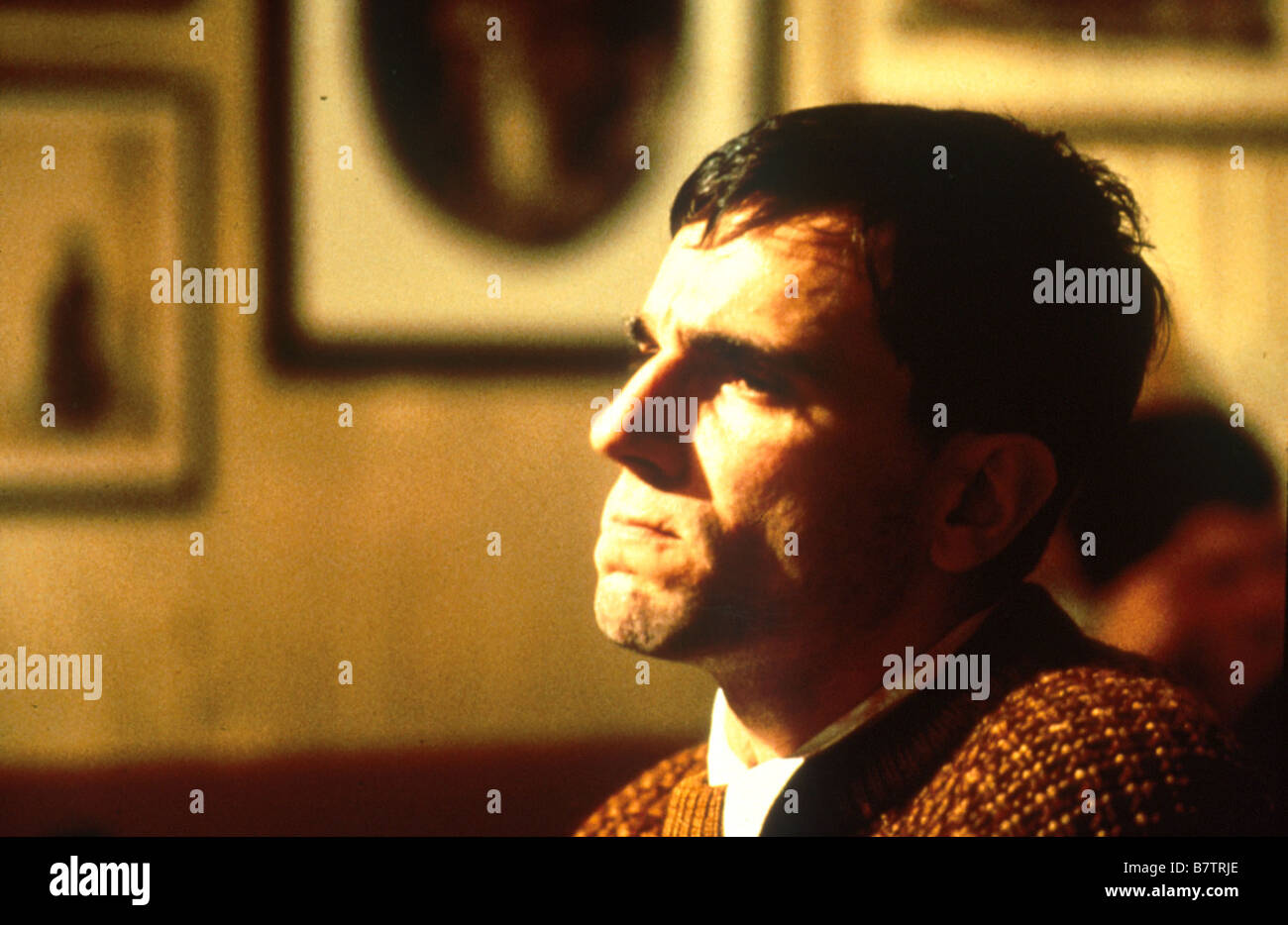 My Left Foot: The Story of Christy Brown  Year: 1989 - Ireland / UK Daniel Day-Lewis  Director: Jim Sheridan - Stock Image