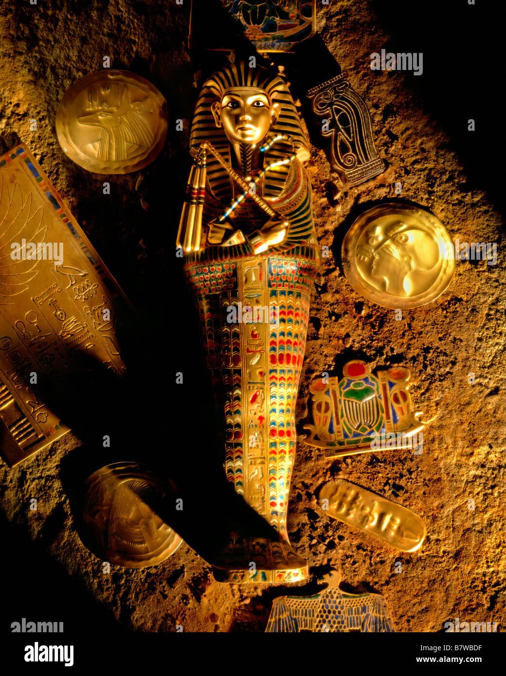OVERHEAD SHOT OF TUTANKHAMUN TOMB - Stock Image