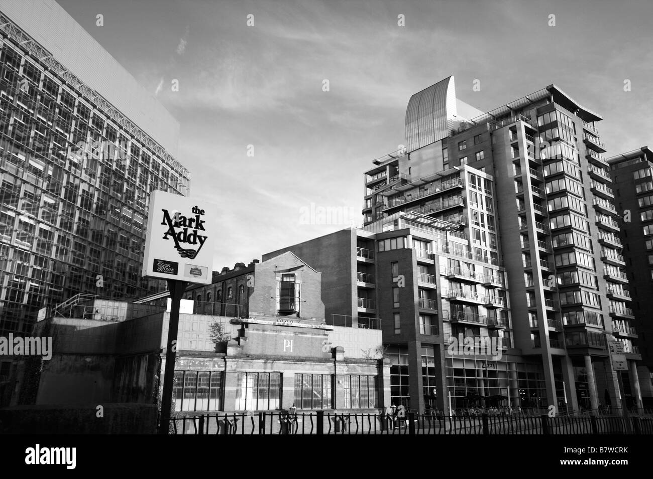 View of Civil Justice Centre, People's Museum, Leftbank apartments, Spinningfields, on the River Irwell, Manchester, - Stock Image