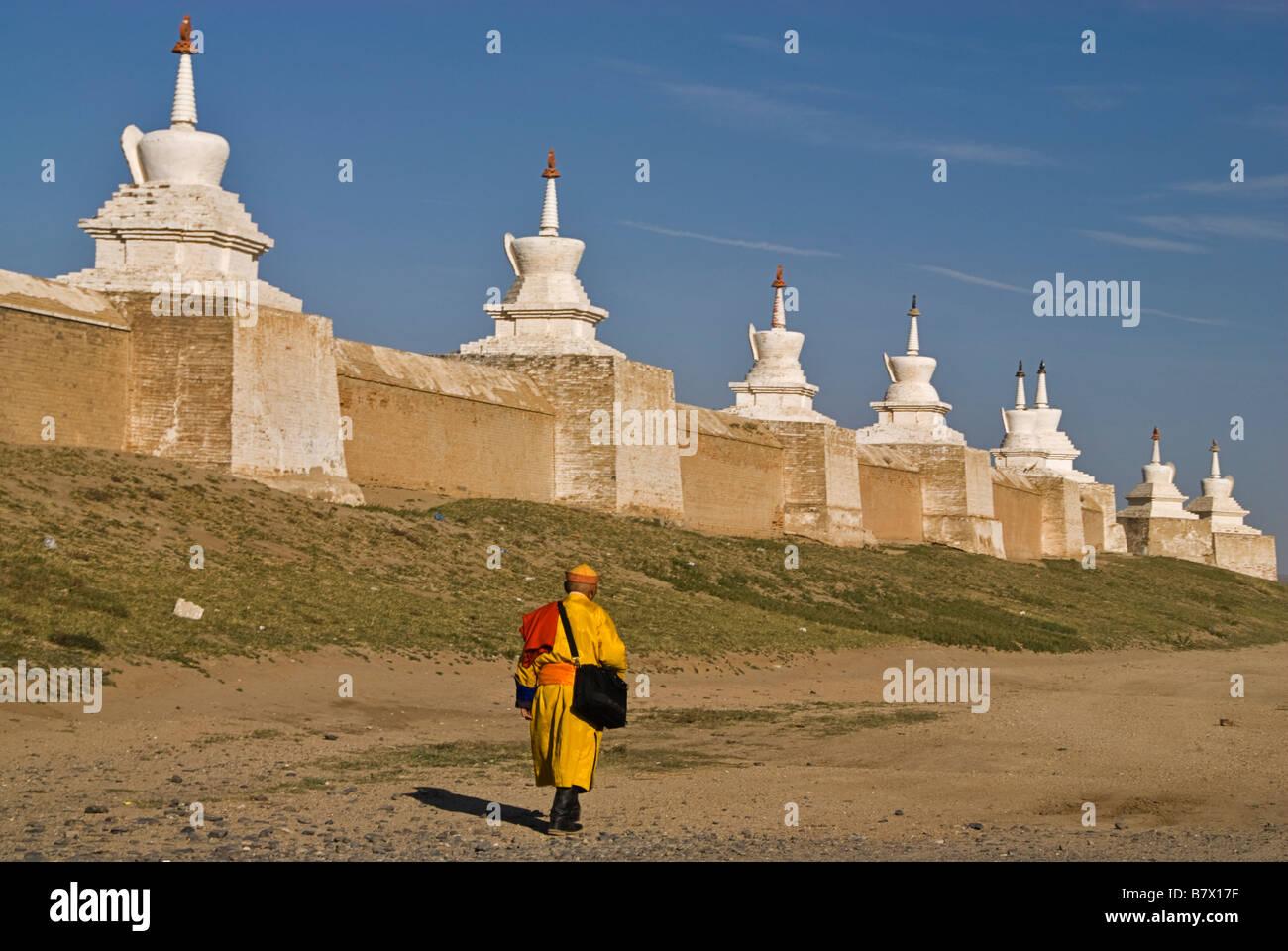 Buddhist monk nearby Erdene Zuu Khiid monastery Kharkhorin Karakorum Mongolia - Stock Image