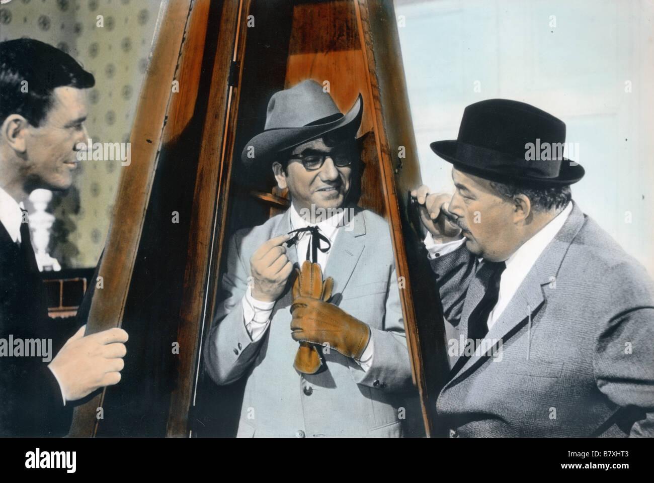 Zwei Girls vom roten Stern  An Affair of States  Year: 1966 - West Germany Daniel Gélin  Director: Sammy Drechsel - Stock Image