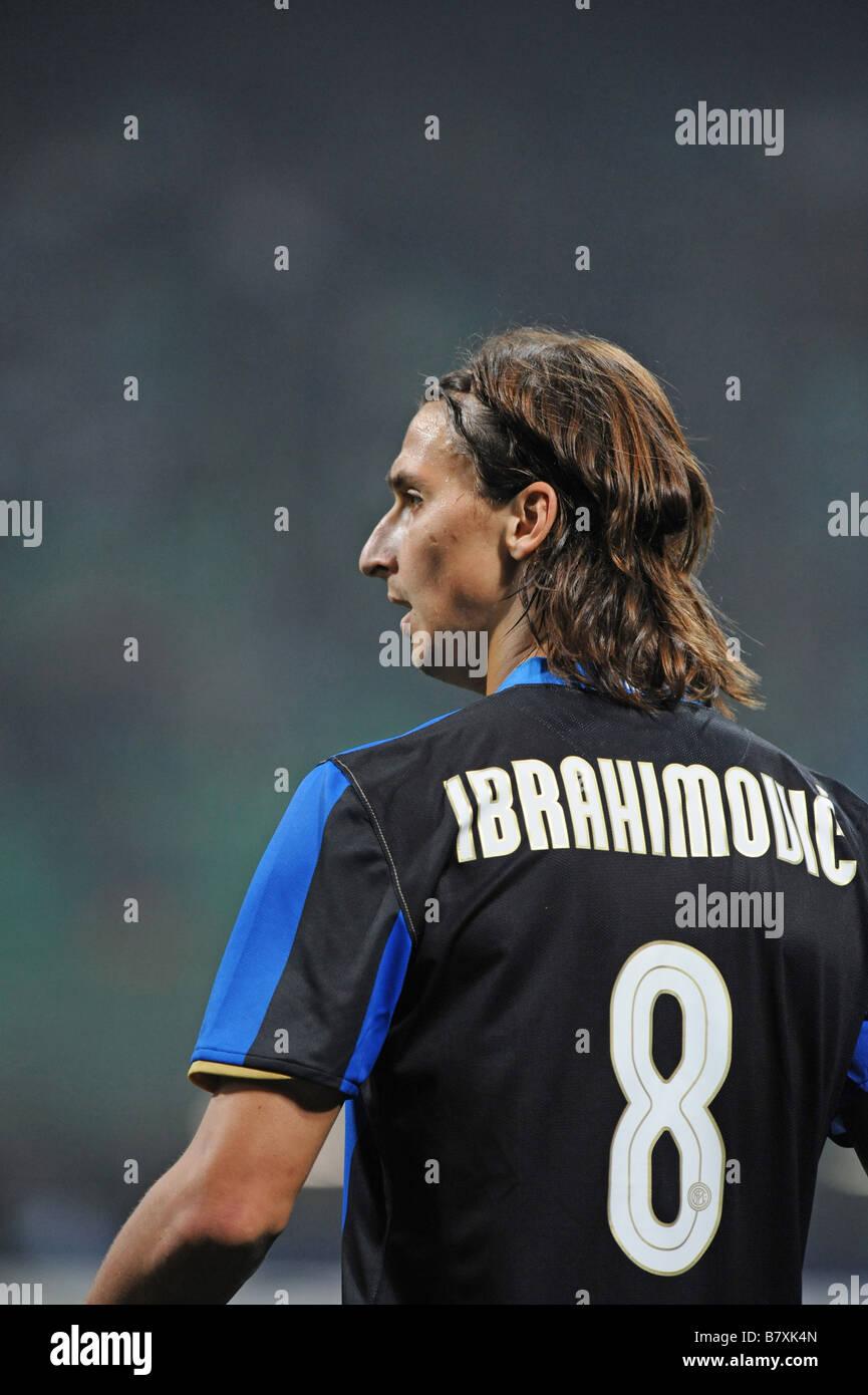 newest 7d738 df690 Zlatan Ibrahimovic Inter OCTOBER 1 2008 Football UEFA ...