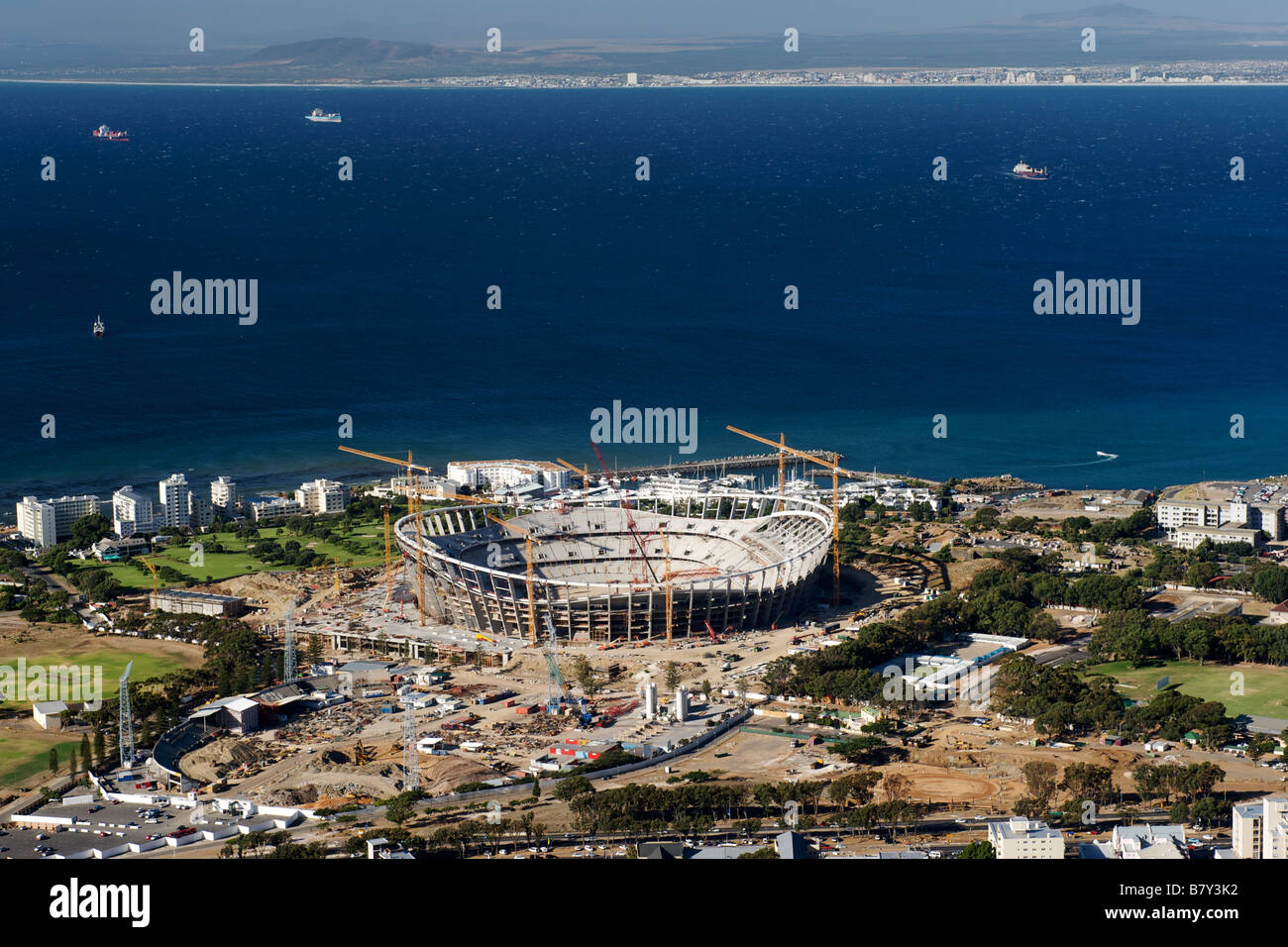 View of the 2010 FIFA world cup stadium under construction in Greenpoint, Cape Town, South Africa. - Stock Image