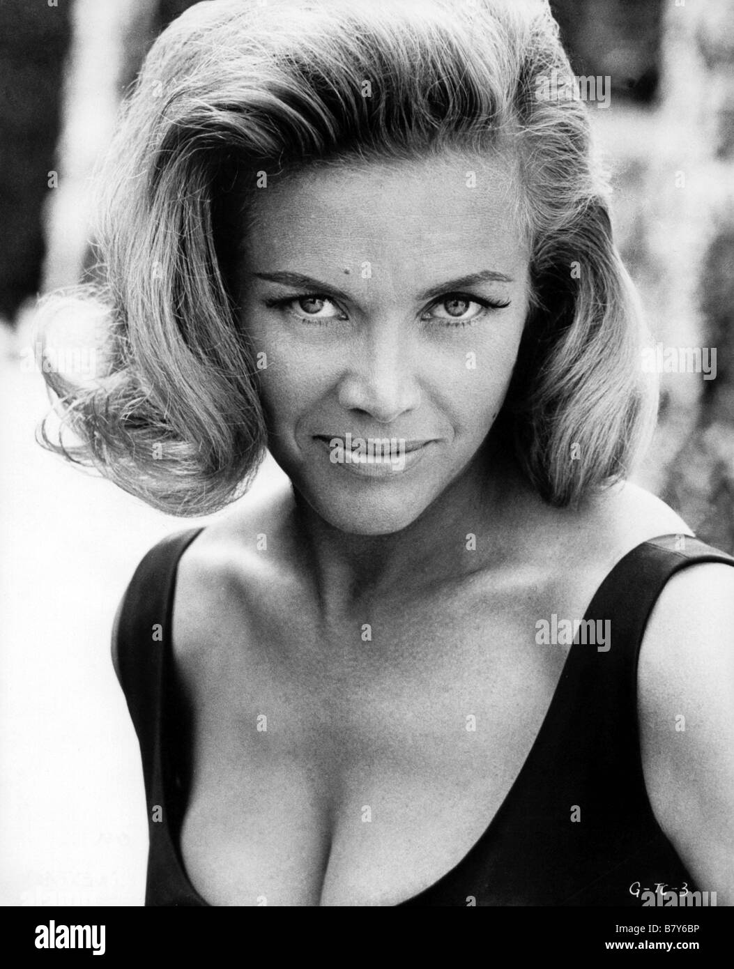 honor blackman - photo #37