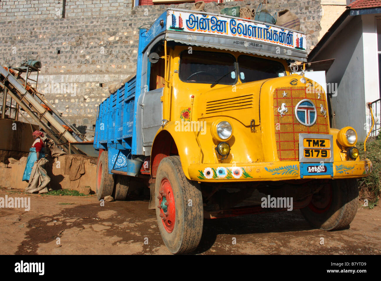 Old Indian Lorry Stock Photos & Old Indian Lorry Stock