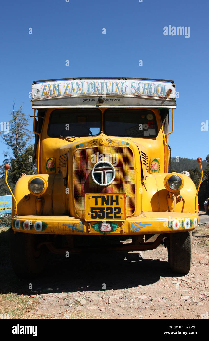 Old Indian Lorry Stock Photos & Old Indian Lorry Stock Images - Alamy