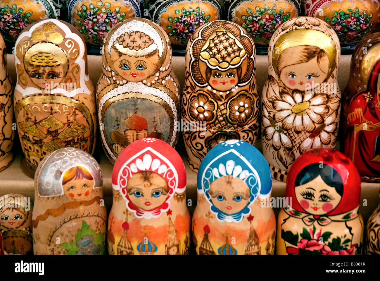 russian matrioshka dolls in baku azerbaijan market - Stock Image