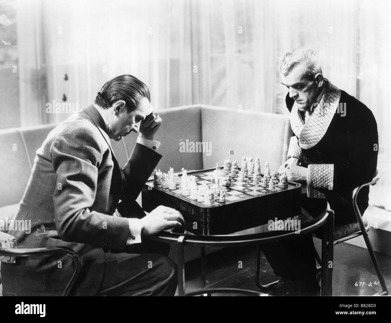 The Black Cat Year: 1934 USA Boris Karloff, Bela Lugosi  Director: Edgar G. Ulmer Stock Photo