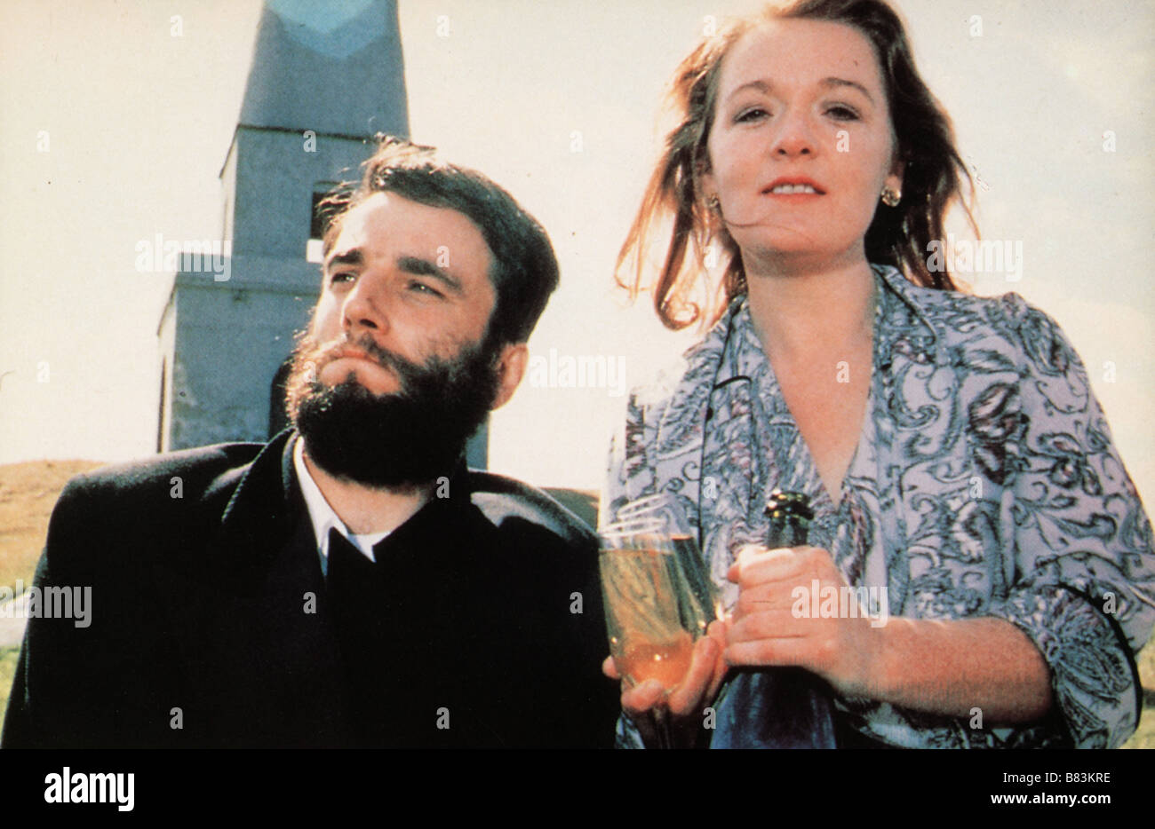 My Left Foot: The Story of Christy Brown  Year: 1989 - Ireland / UK Daniel Day-Lewis , Ruth McCabe  Director: Jim - Stock Image
