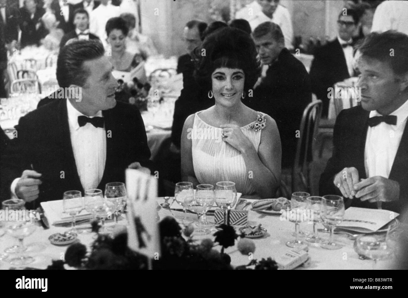 Kirk Douglas , Elizabeth Taylor (Liz Taylor) , Richard Burton  Circa 1964 - Stock Image