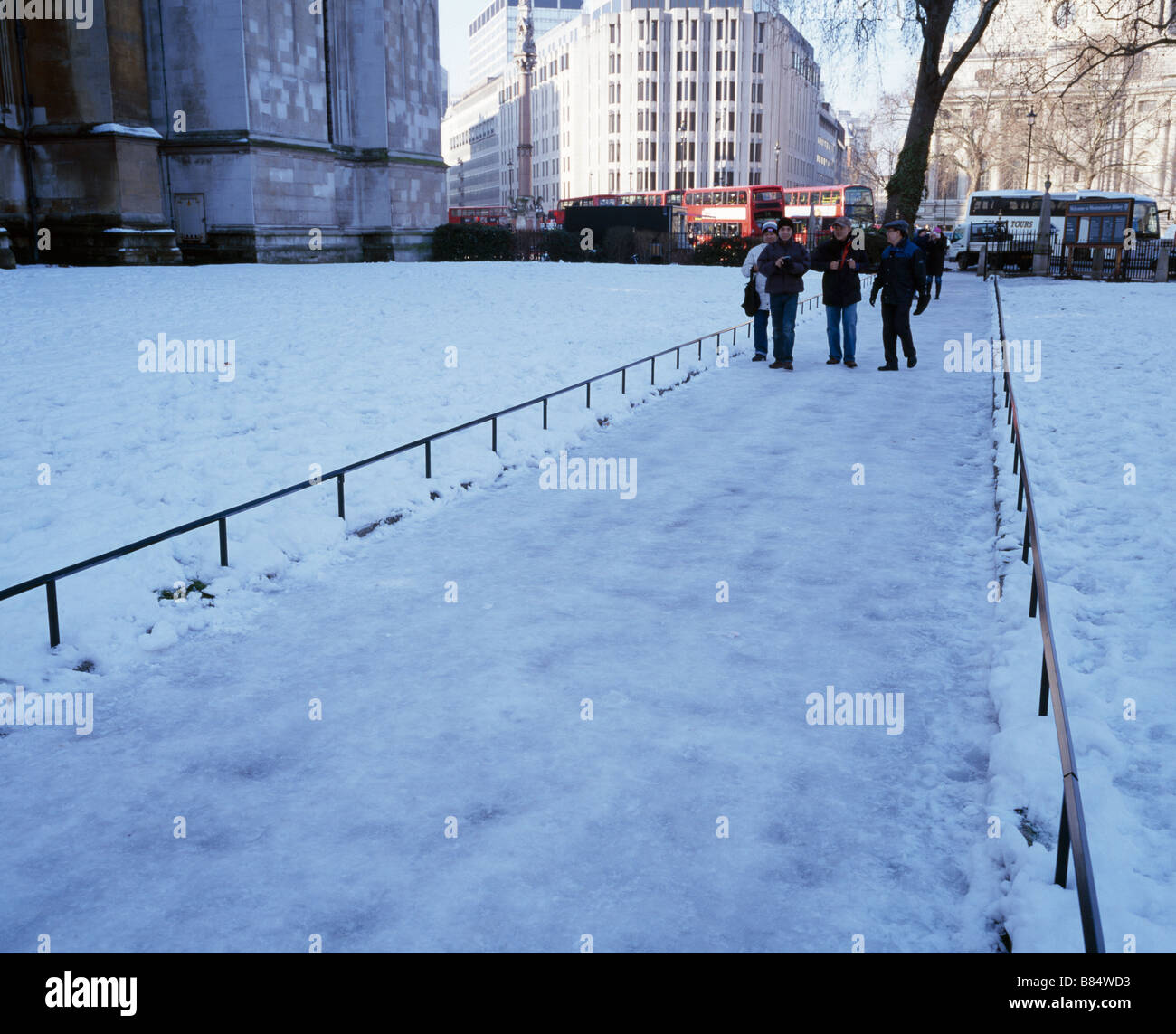 Icy path. Westminster Abbey, London, England, UK. - Stock Image