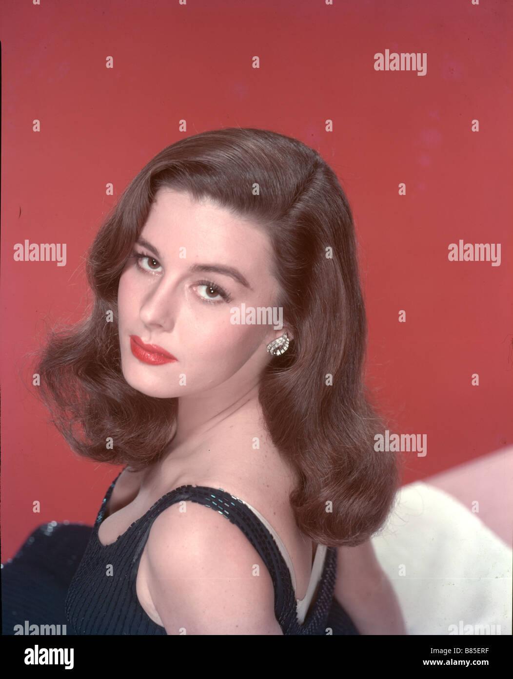 picture Elaine Stewart