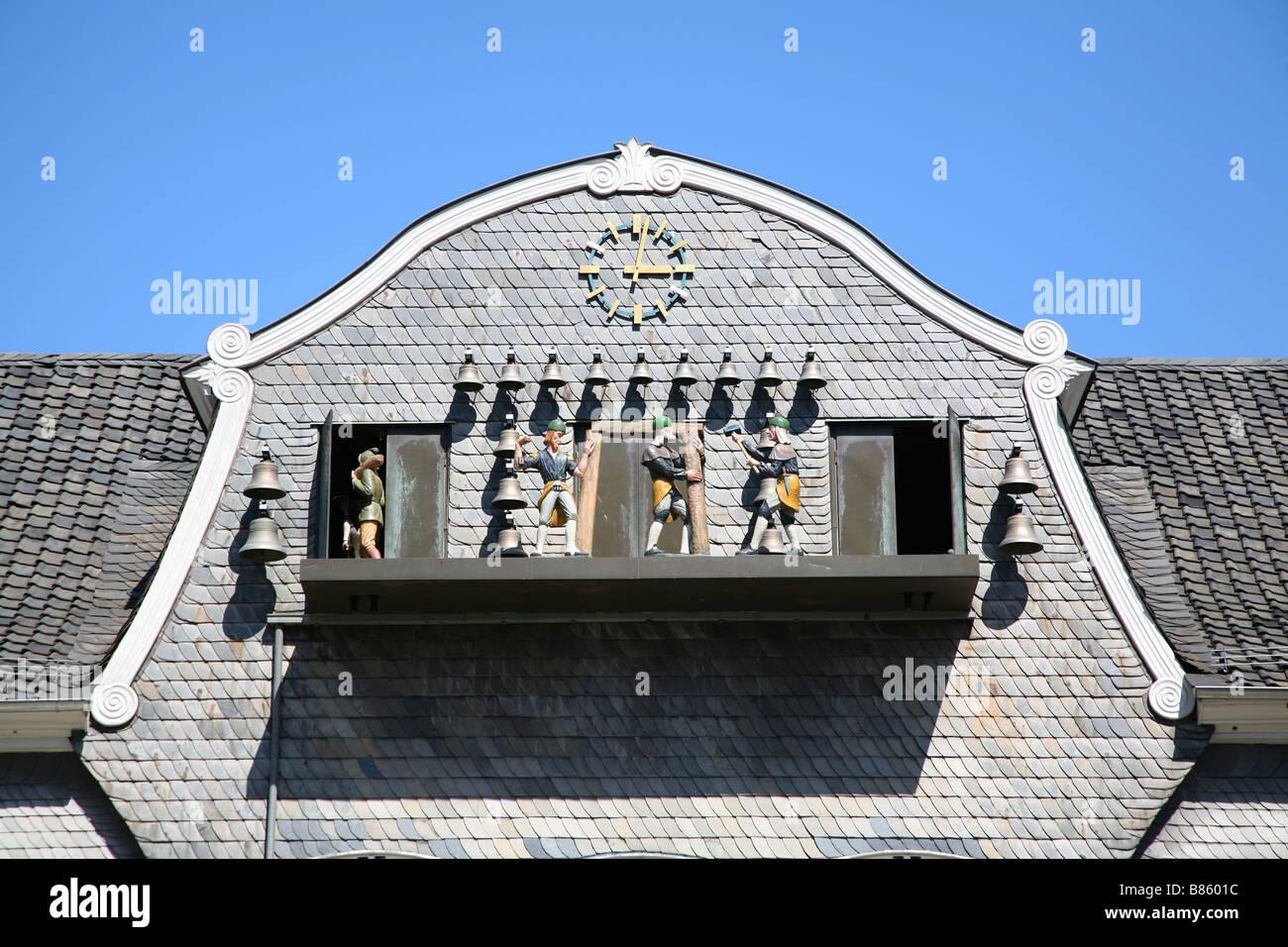 Goslar Marktplatz Marketplace Kaemmerei Kaiserringhaus Glockenspiel - Stock Image