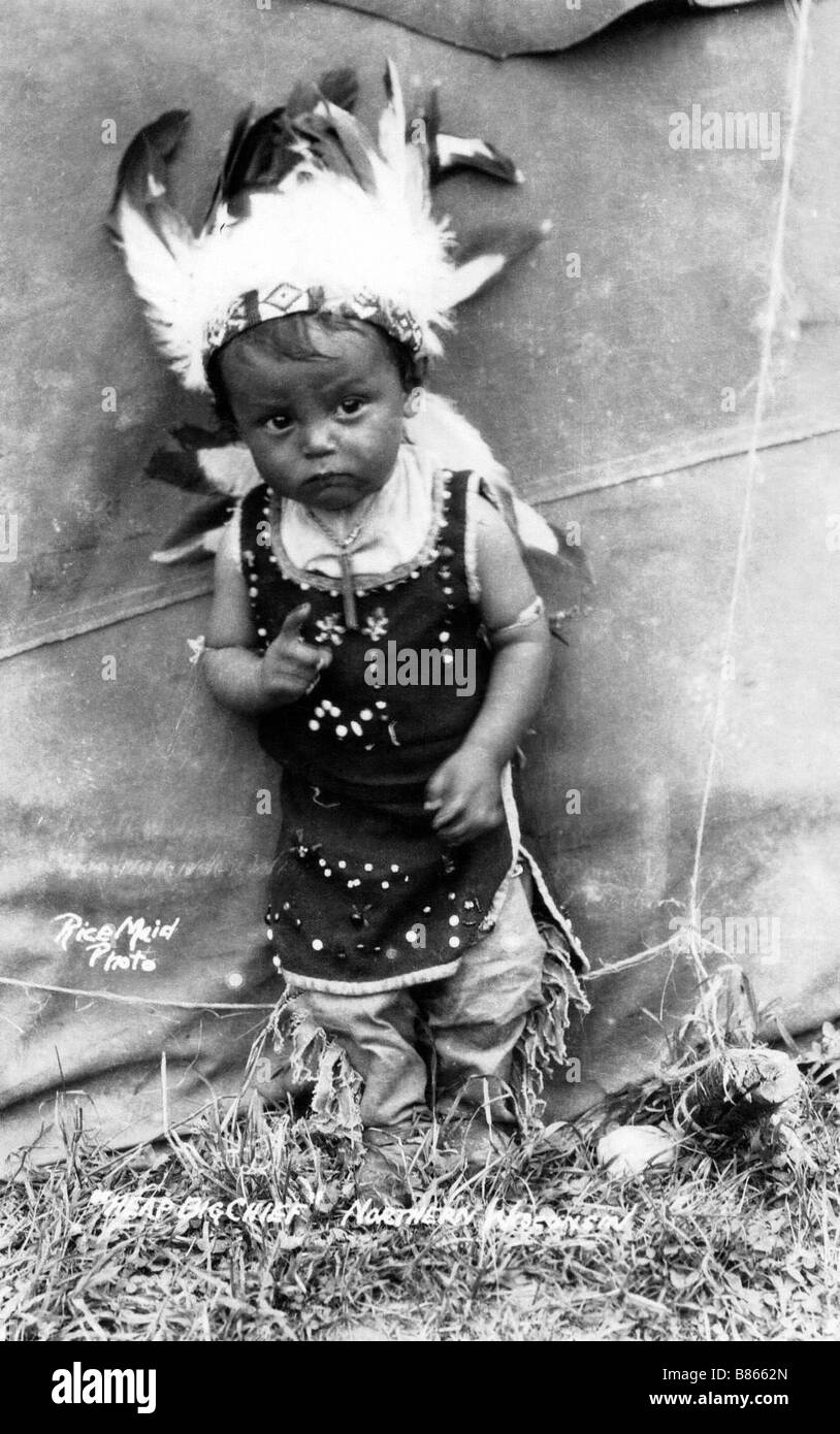 Postcard representing an Indian child, 'Heap big chief' - Stock Image