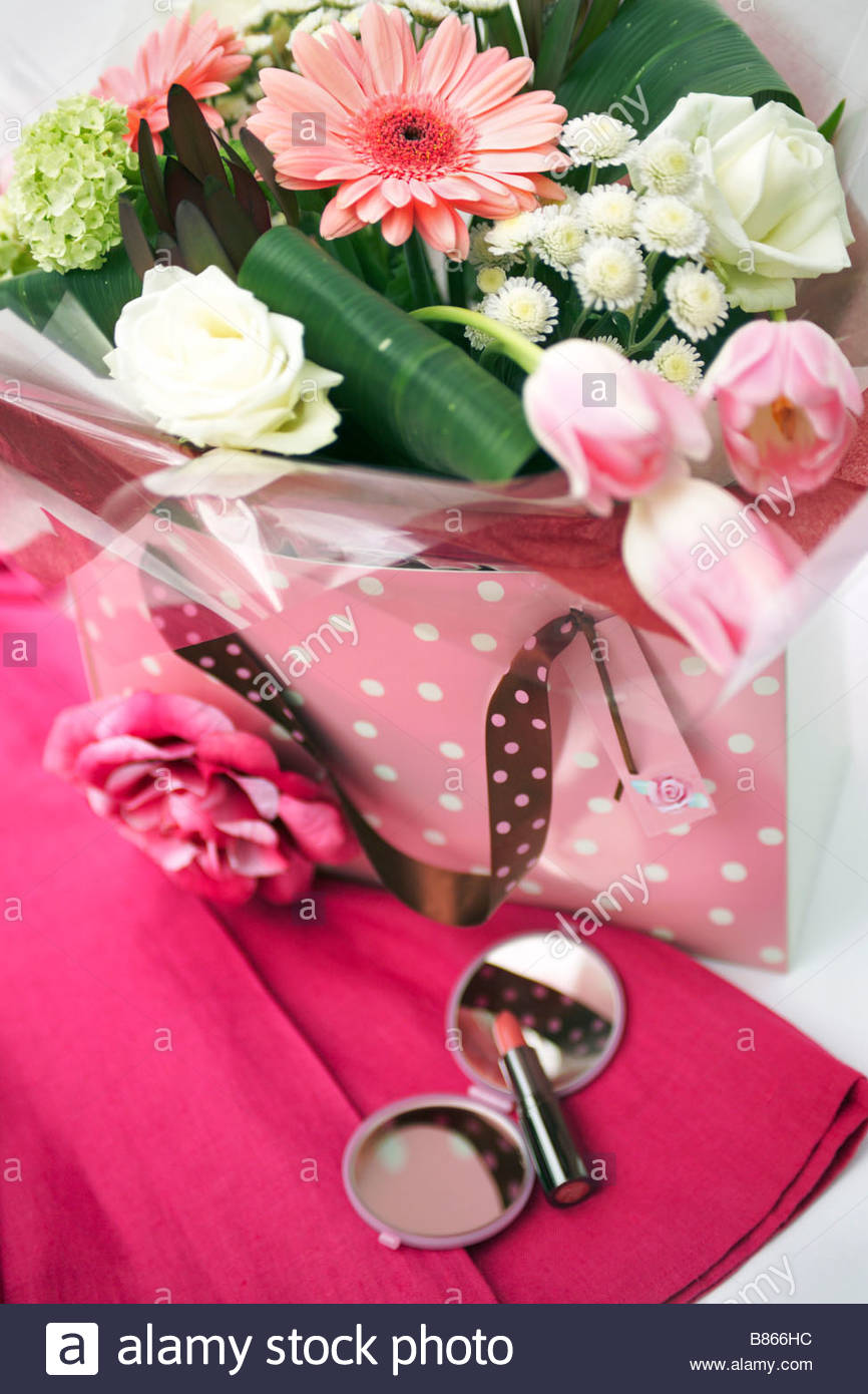 St Valentines Day gift bag bouquet of cut flowers including Gerbera ...