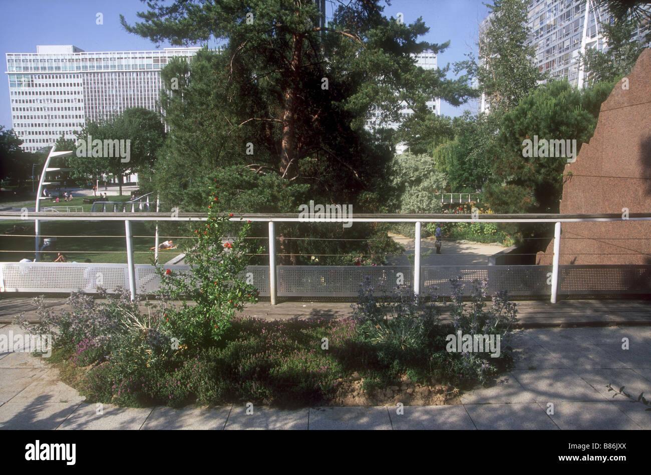 jardin atlantique in paris stock image - Jardin Atlantique