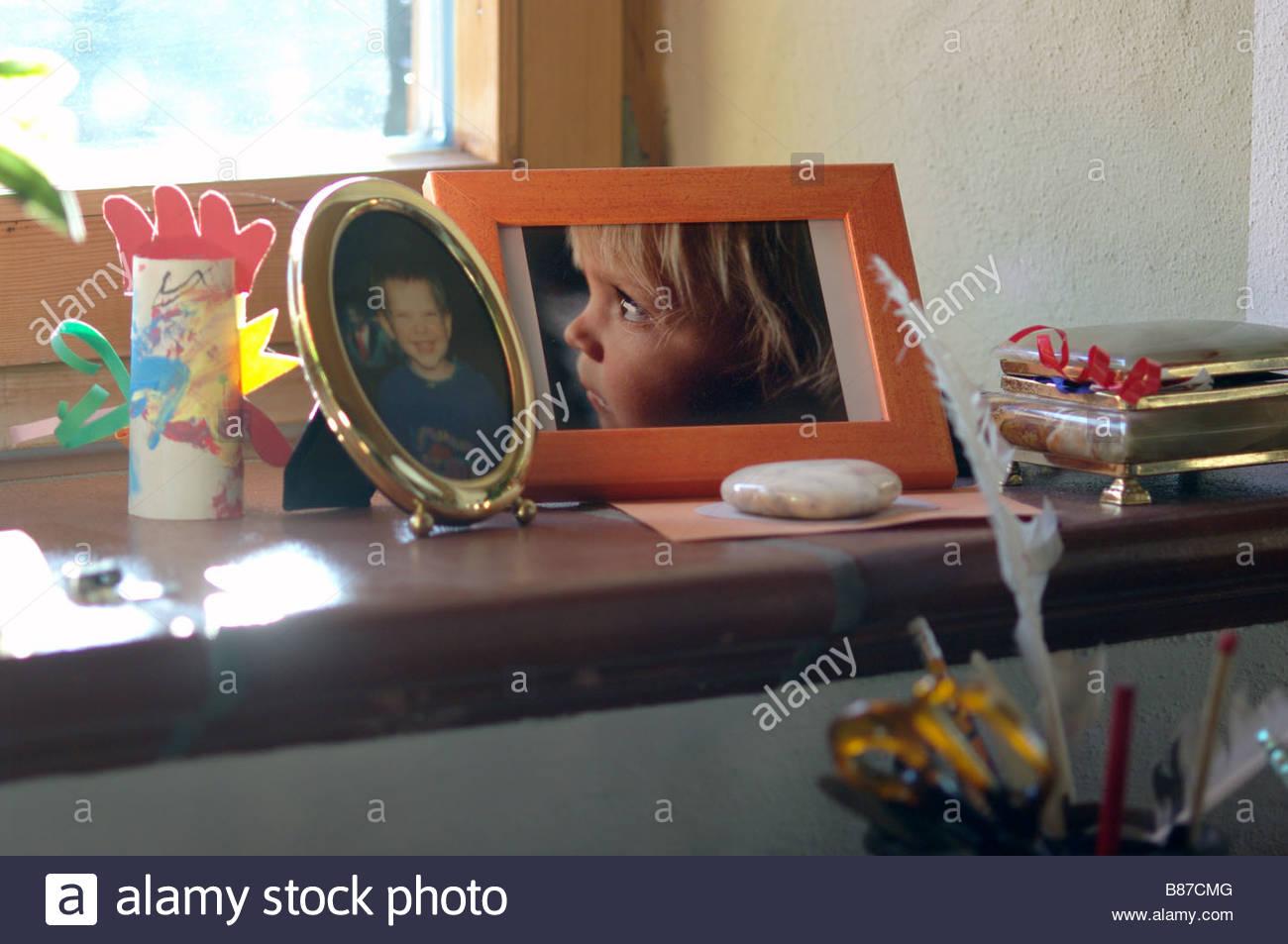 GRANDMAS MANTELPIECE MANTELPIECES  PHOTOS memories - Stock Image