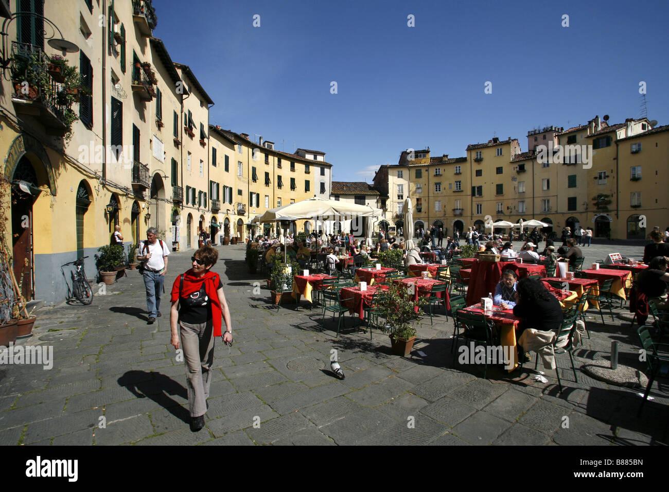 Piazza del Mercato, Lucca, Tuscany, Italy - Stock Image