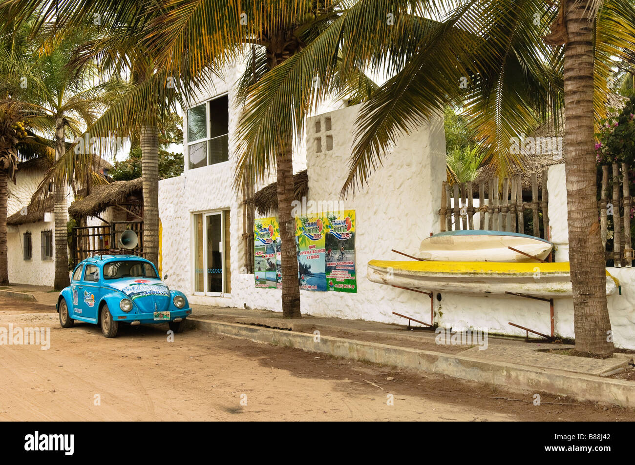 Teacapan Adventure Tours VW Bug and kayaks in the village of Teacapan Sinaloa Mexico - Stock Image