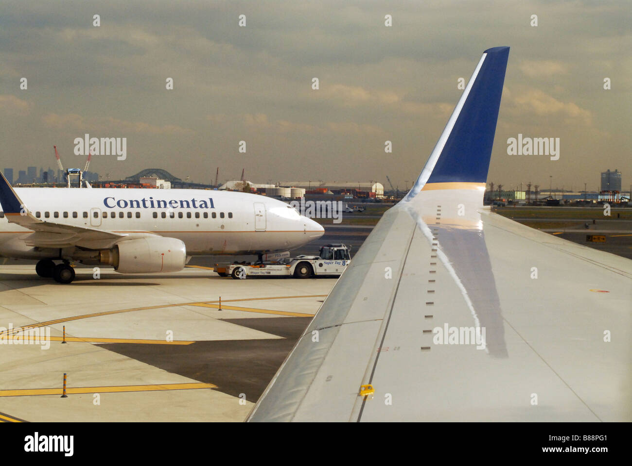 Continental airlines Wing - Stock Image