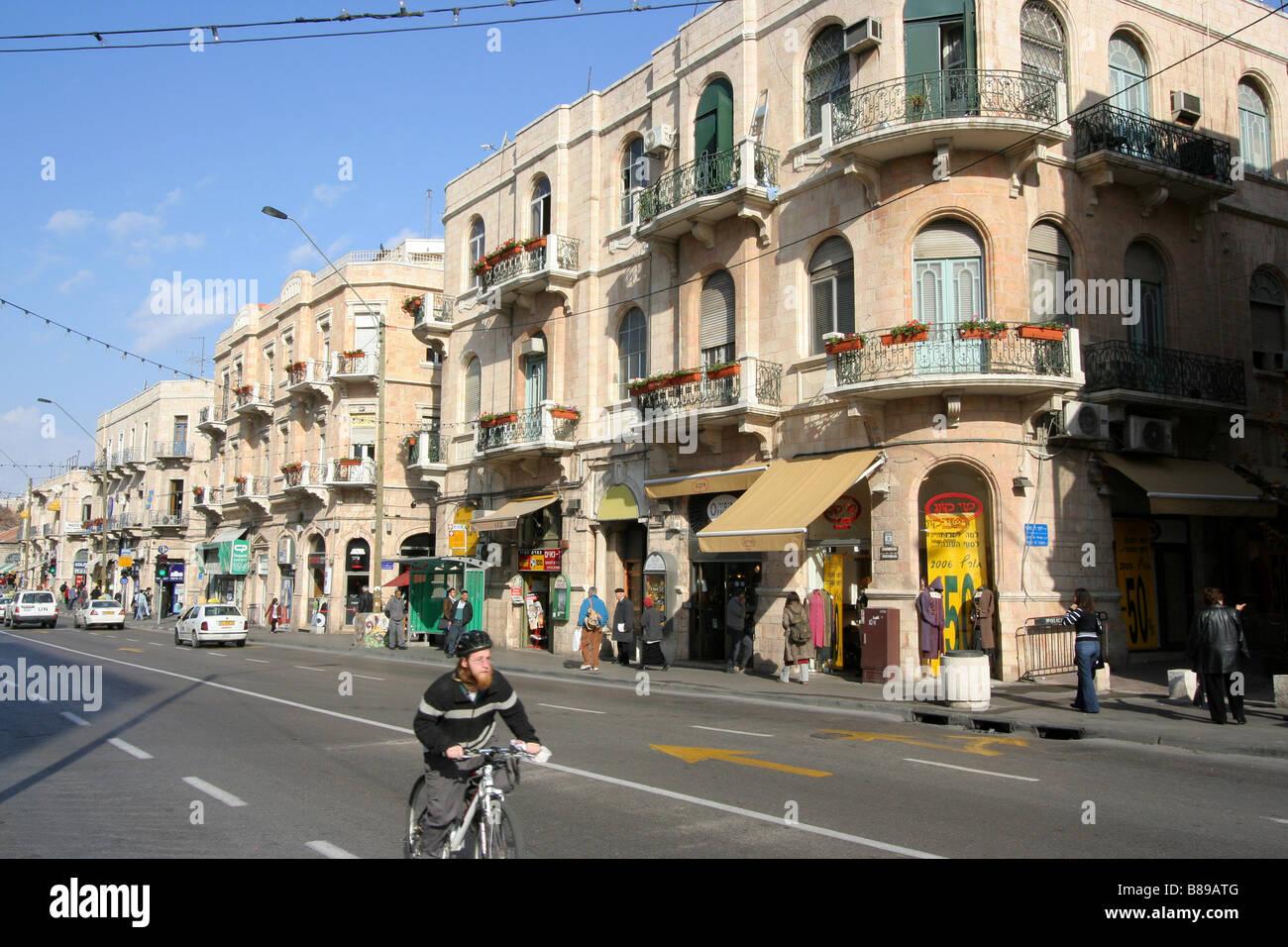 Bearded cyclist on Jaffa Road in Jerusalem - Stock Image