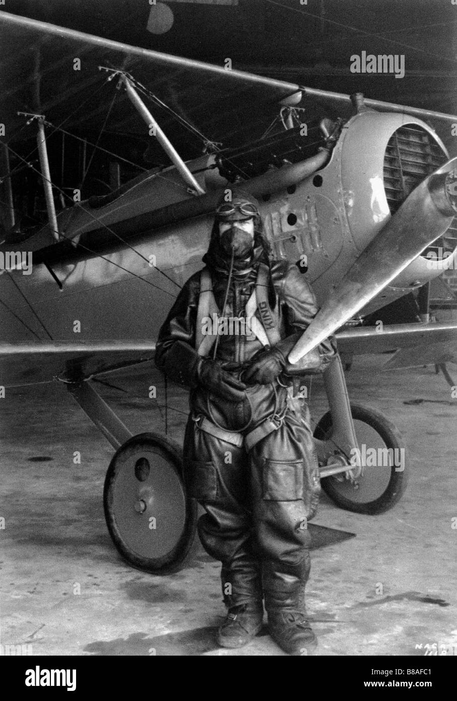 Pilot Paul King and the Vought VE-7 on Oct. 17, 1925 - Stock Image