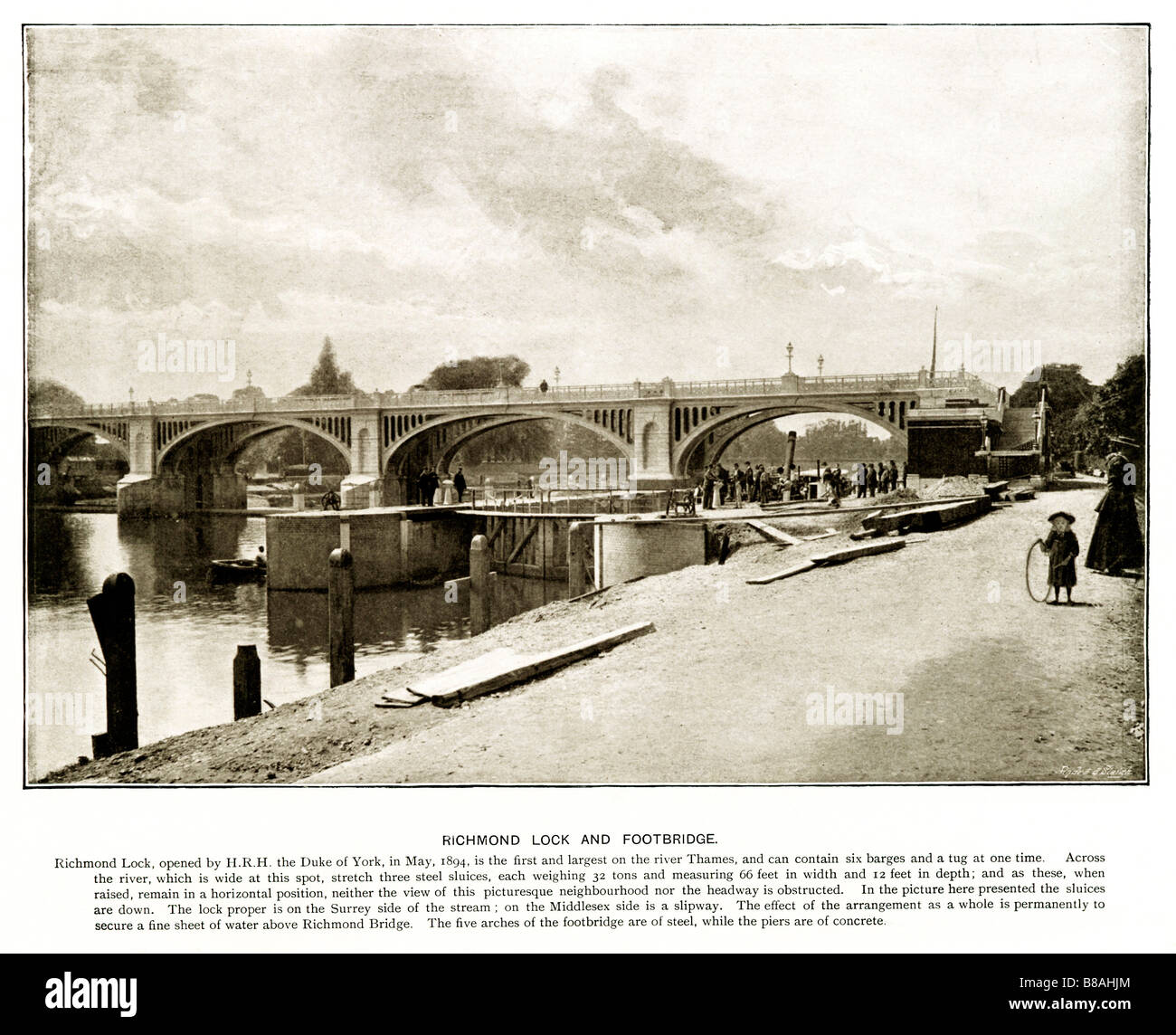Richmond Lock and Footbridge Edwardian photo of St Margaret s Lock which was opened in 1894 Stock Photo