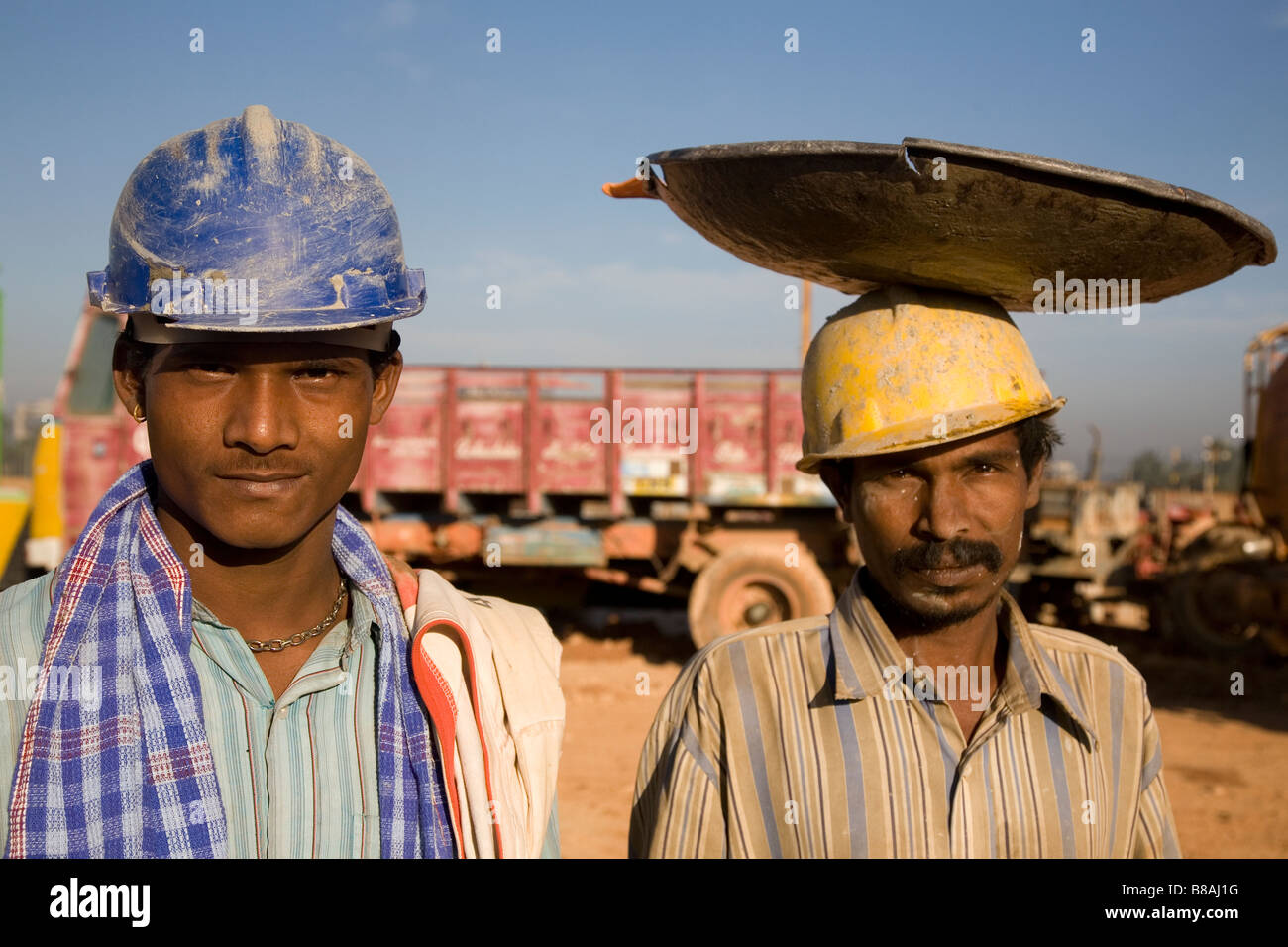Construction do what workers wear to work best photo