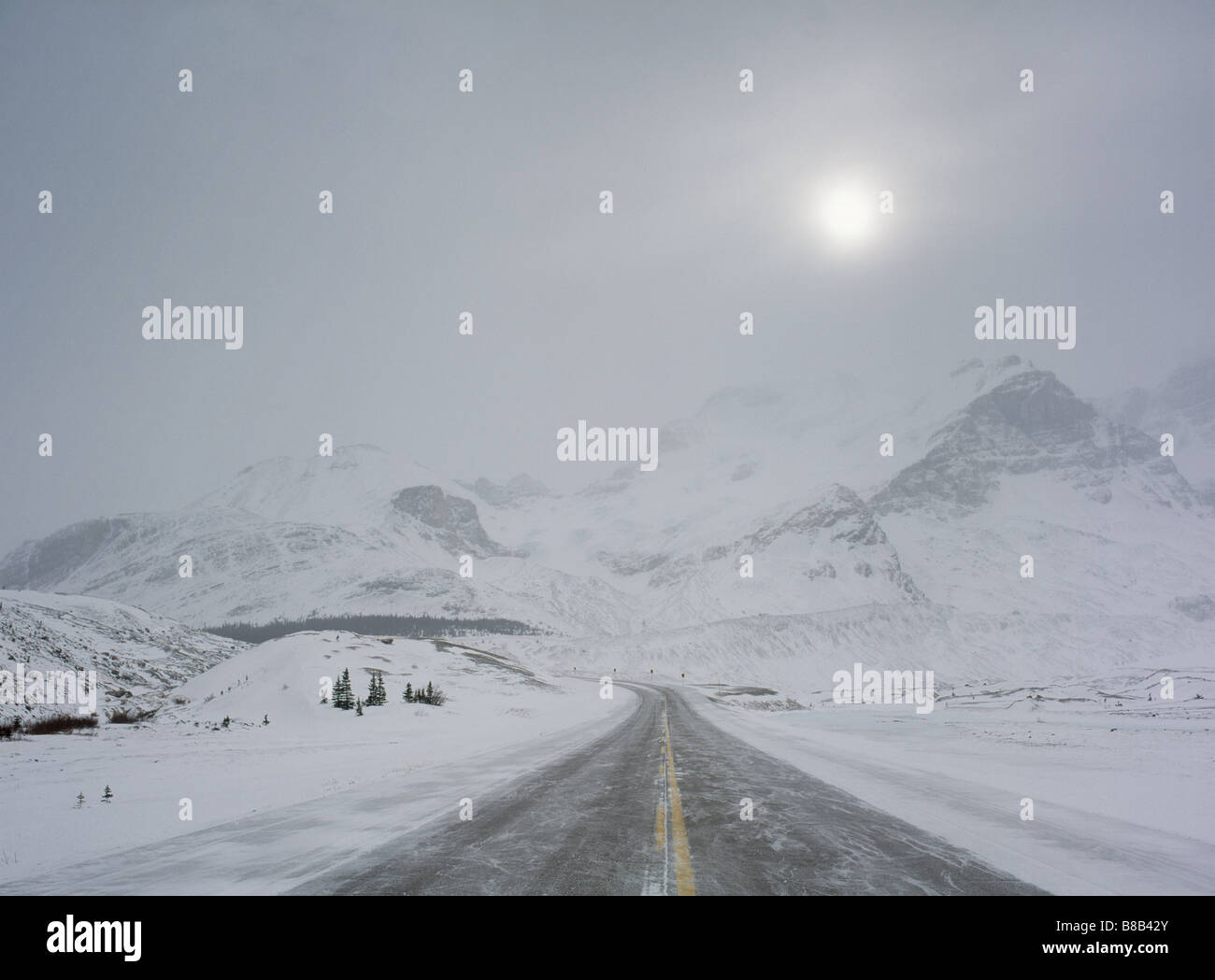Icefields Parkway (Highway 93) Columbia Icefields Winter, Jasper ...