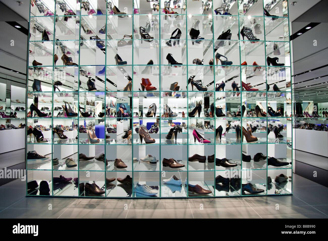 Shoe Shop Window Display Ideas