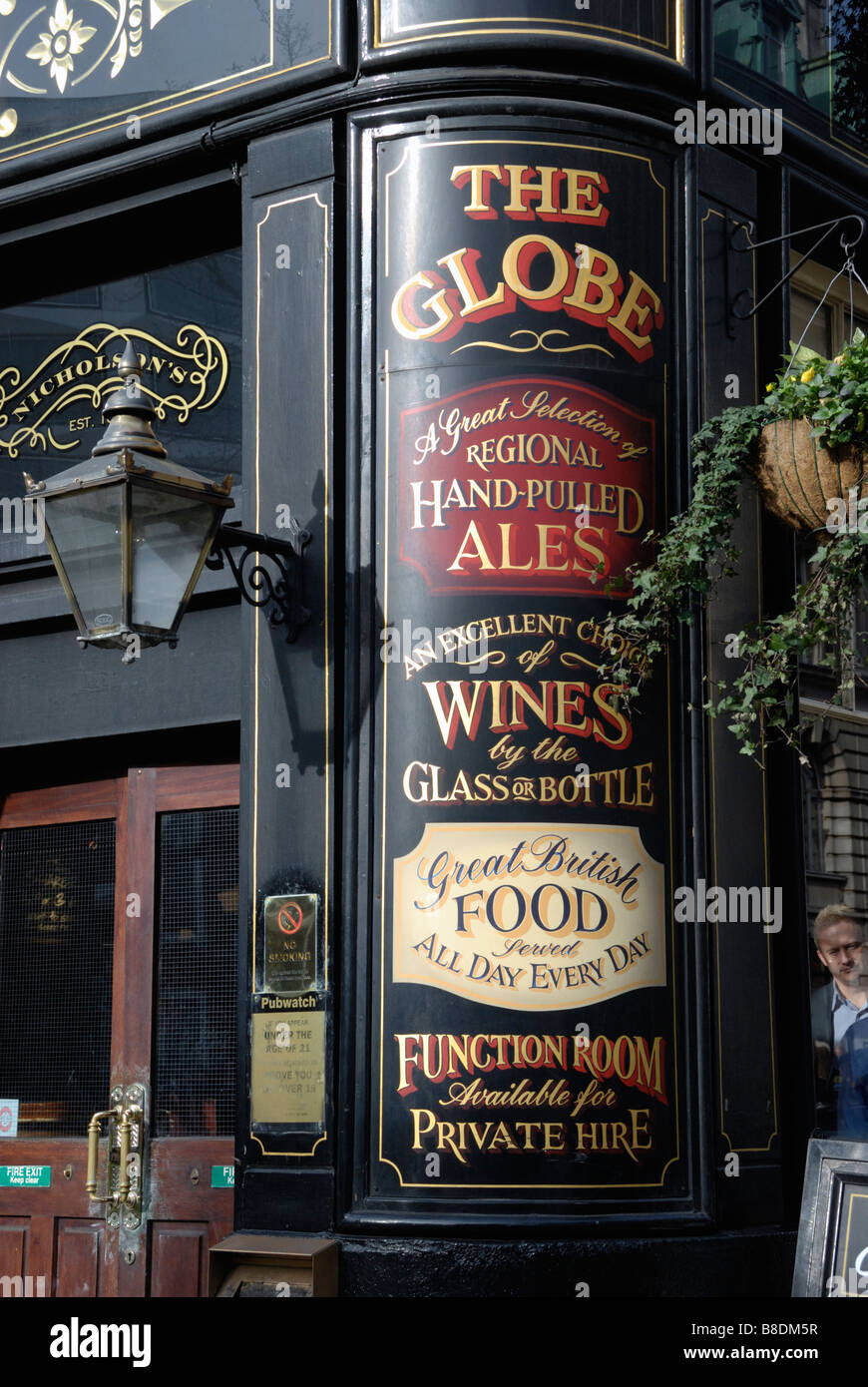 Exterior of the Globe pub in Moorgate London Stock Photo
