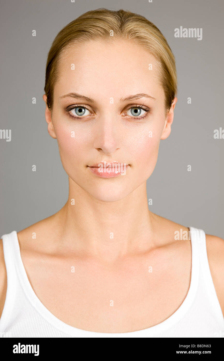 Portrait of a beautiful young woman - Stock Image