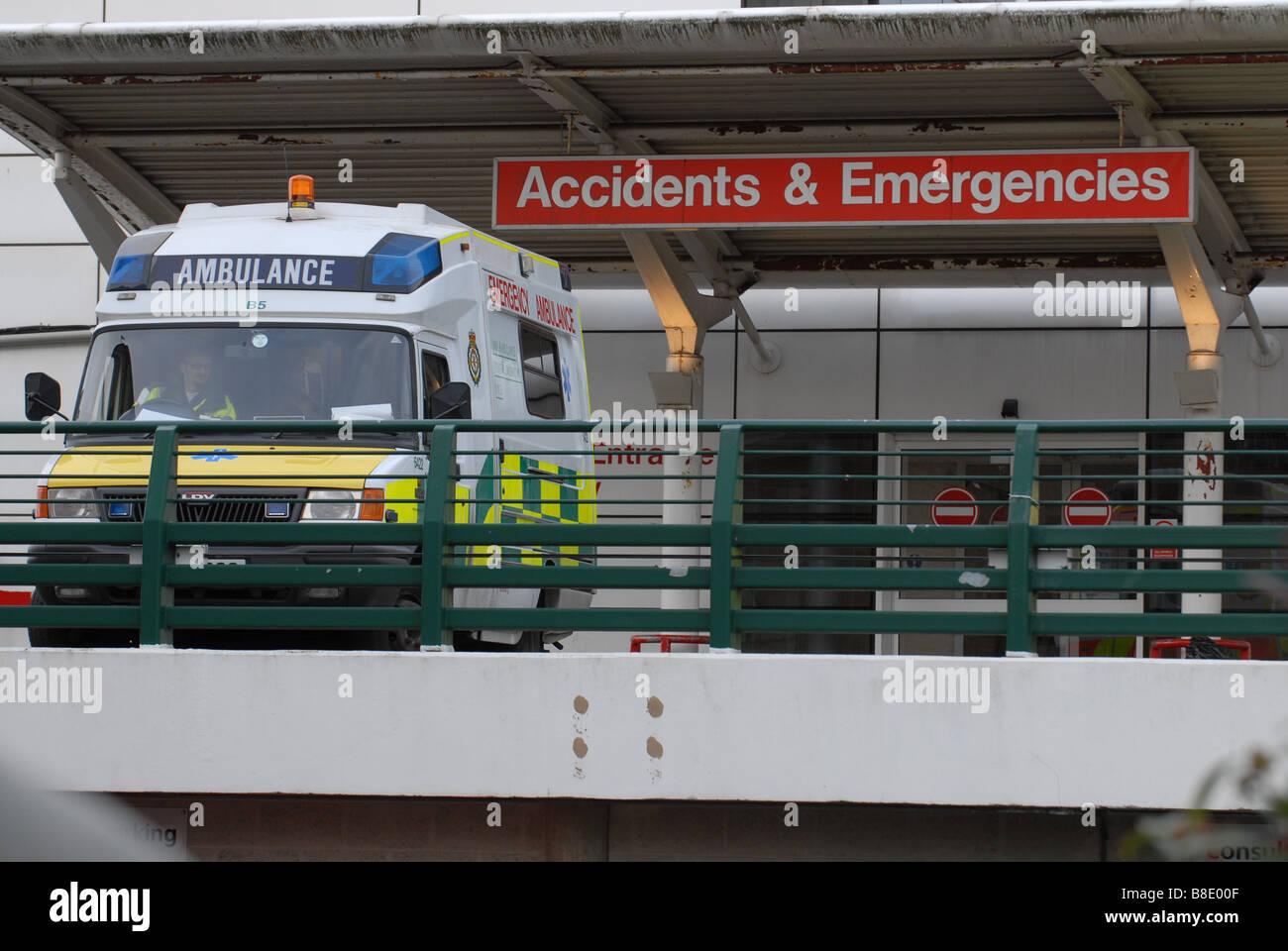 Ambulance outside Accidents and Emergencies, Hillingdon Hospital - Stock Image