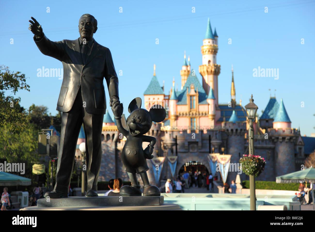 Walt Disney And Mickey Mouse Statue At Disneyland California Stock