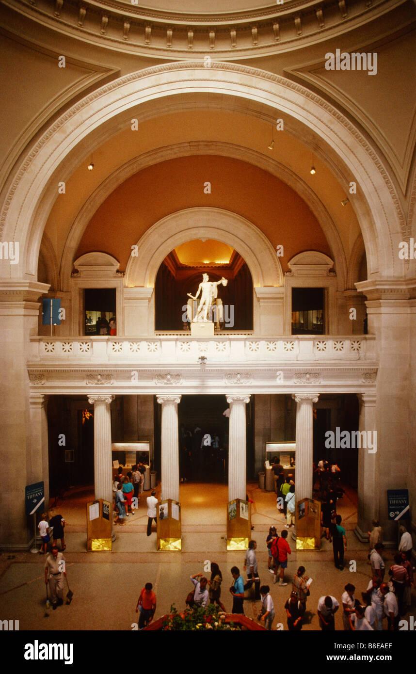 Foyer Museum Usa : Metropolitan museum of art balcony stock photos