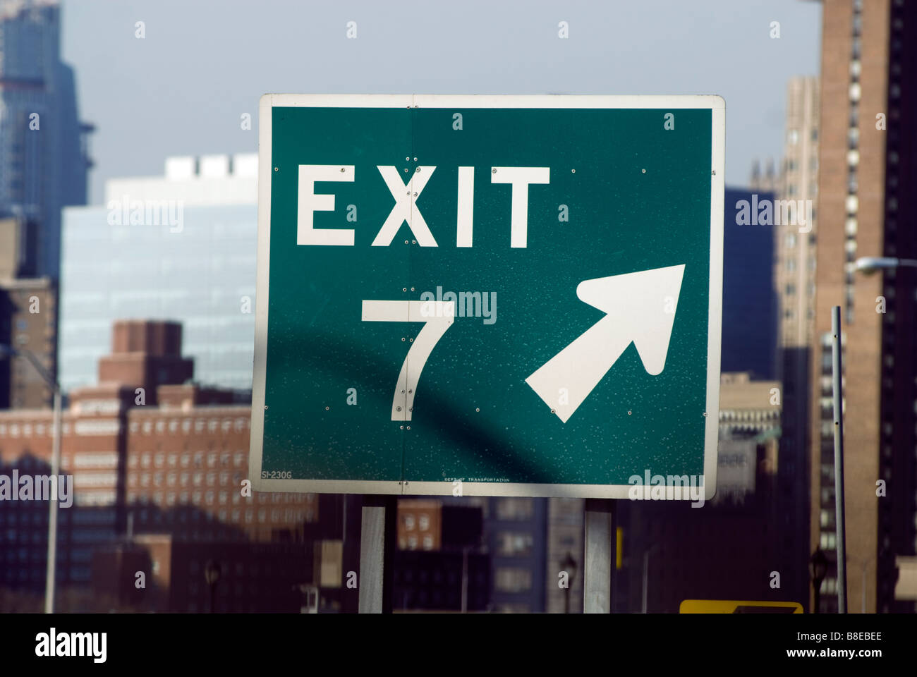Exit number seven sign on the FDR Drive on February 7 2009 Richard B Levine - Stock Image