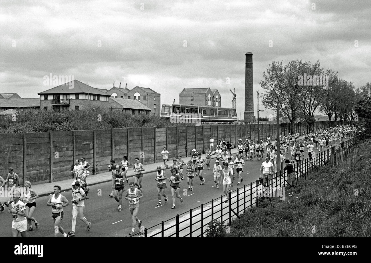 The 1987 London Marathon at the Isle of Dogs - Stock Image