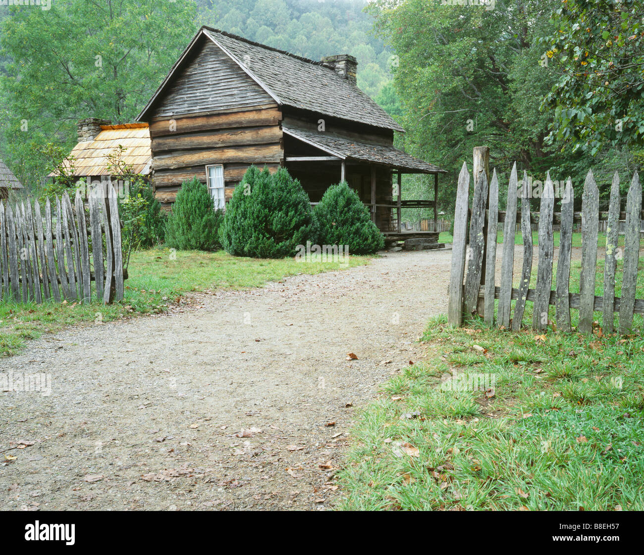 NORTH CAROLINA - Historic pioneer farmstead in the Oconaluftee area of Great Smoky Mountains National Park. - Stock Image