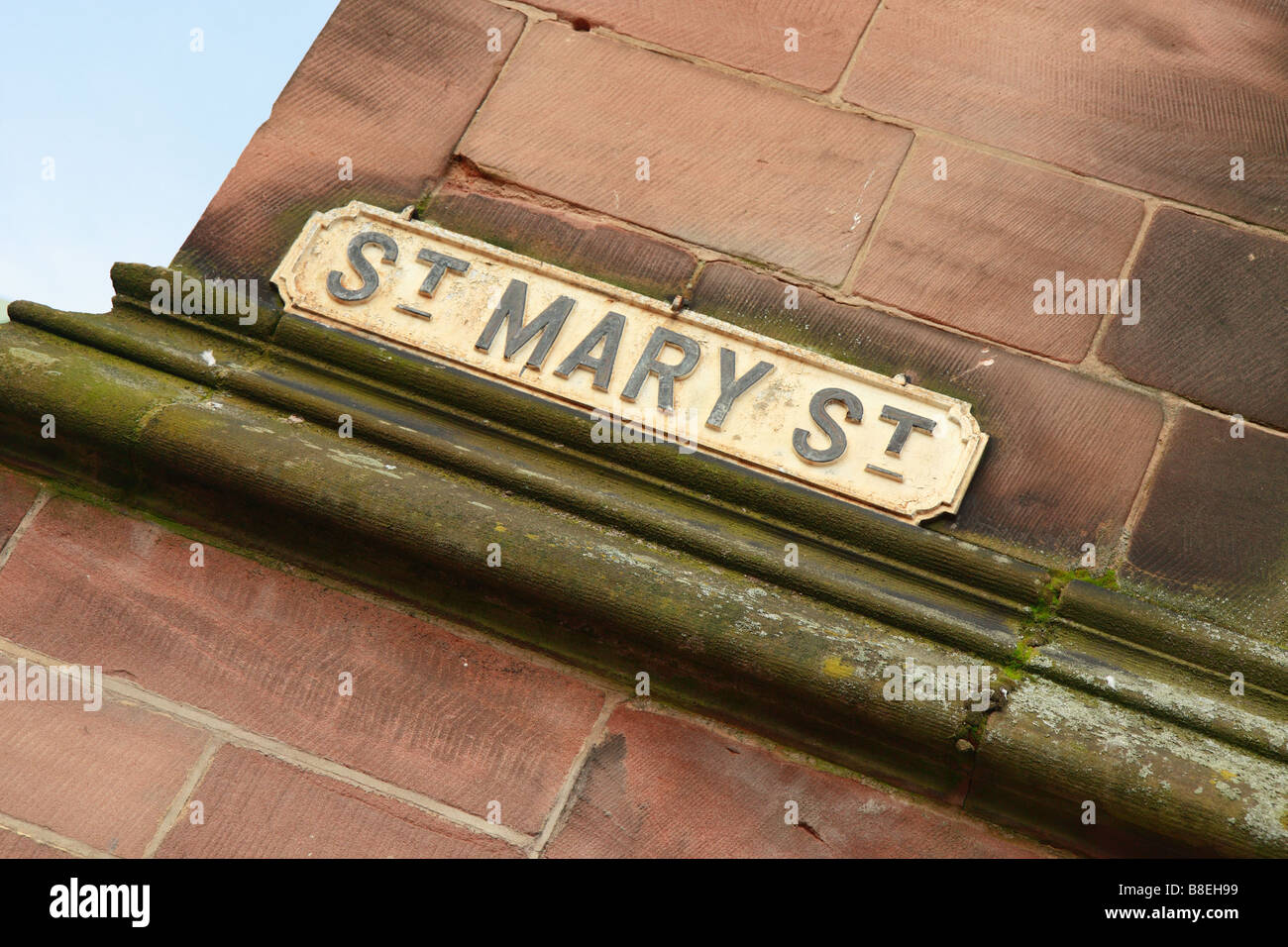 Road name on a street corner - Stock Image