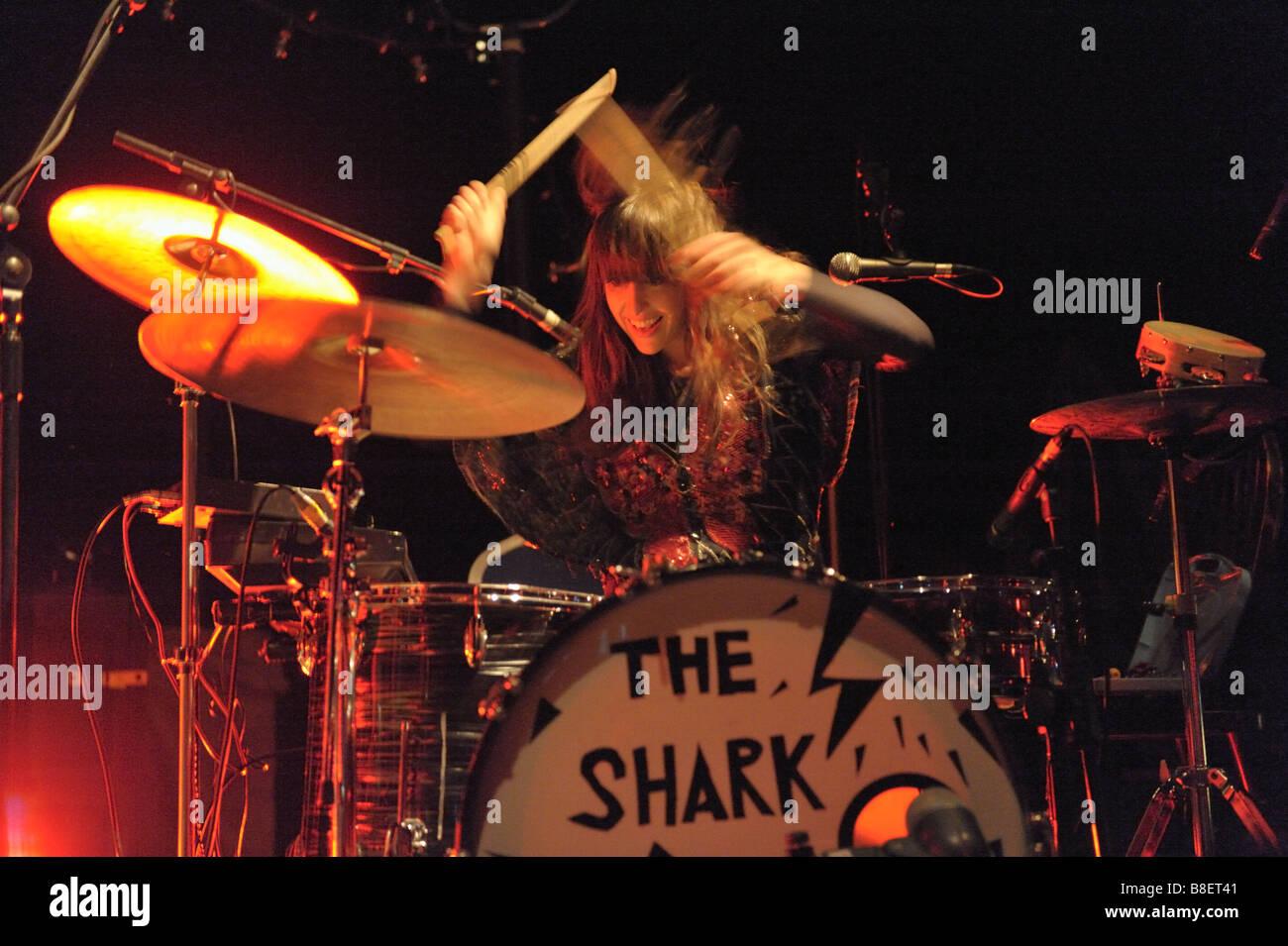 Brother and sister, new band, Joe Gideon and The Shark gig at Wolverhampton, January 2009. Drummer Viva, - Stock Image