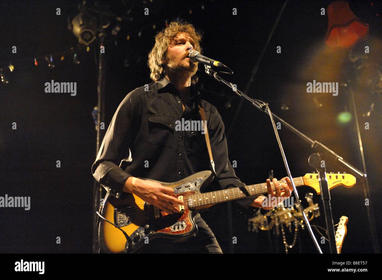 Brother and sister, new band, Joe Gideon and The Shark gig at Wolverhampton, January 2009. Joe on guitar. - Stock Image